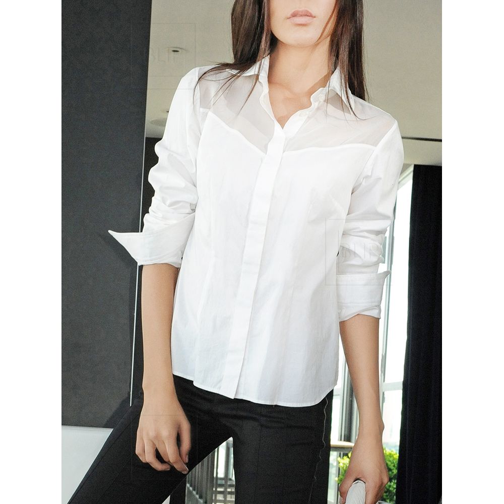 White semi-fitted shirt